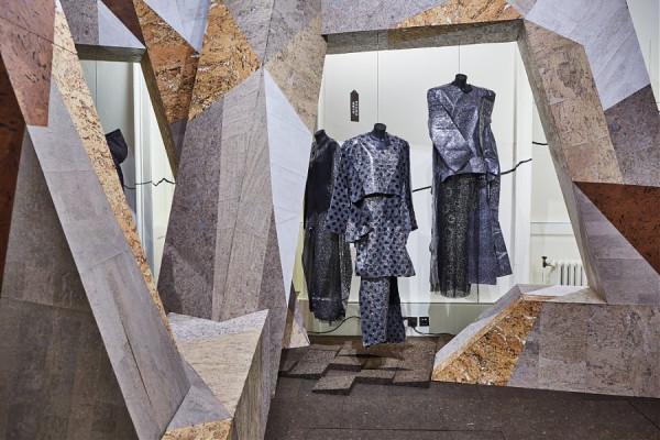 Пробка в центре внимания на неделе моды в Лондоне